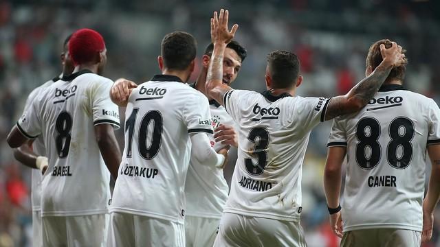 Beşiktaş kafilesi İsveç'e gitti
