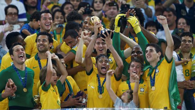 Samba Boğa'nın başını döndürdü