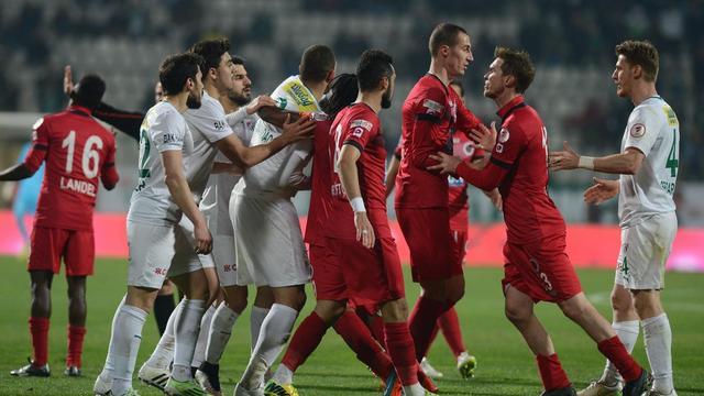 Bursaspor kupada yaralı...