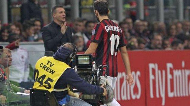 Hakan atıldı, Milan dağıldı