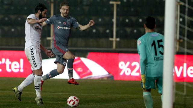 Beşiktaş ilk maçın rahatlığıyla son 16'da