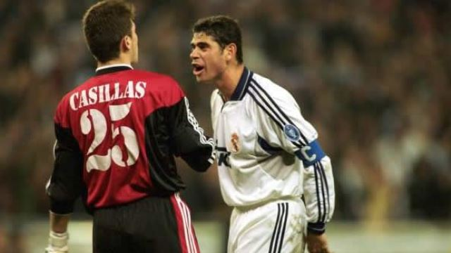 Casillas efsaneyi yakaladı
