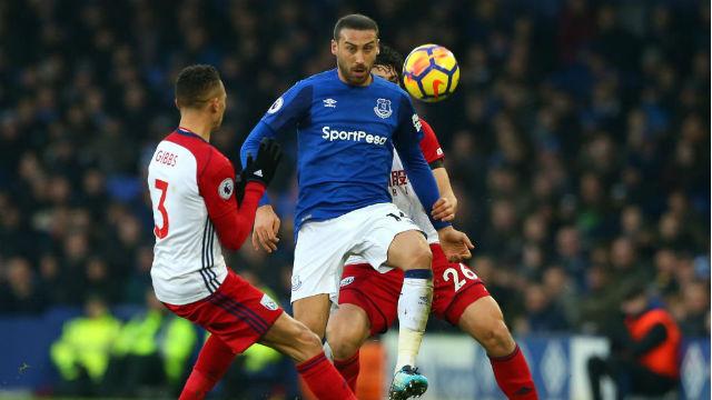 Everton beraberliği Niasse ile kurtardı