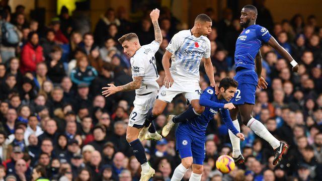 Chelsea, Everton'a takıldı