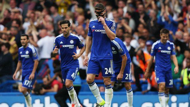 Chelsea'ye evinde şok!