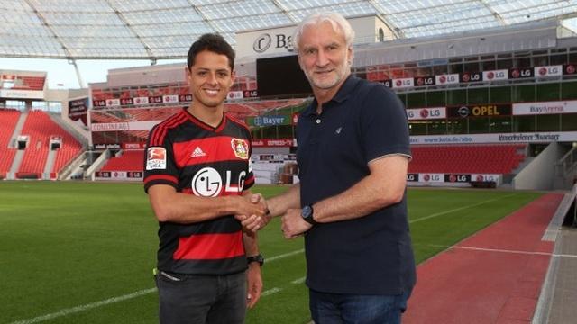 Chicharito Leverkusen'e imzayı attı