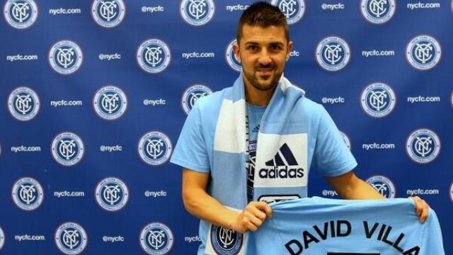 David Villa'dan tarihi imza!