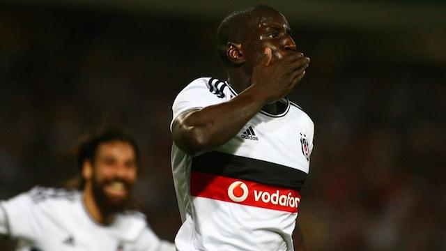Demba Ba'dan Mourinho'ya veryansın!