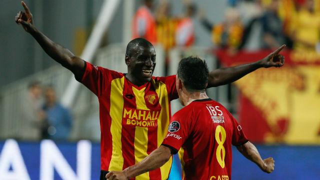 Demba Ba Beşiktaş'a göz kırptı