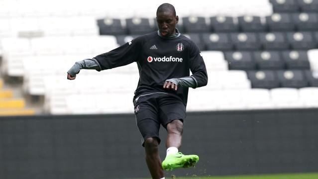 Beşiktaş'a Caner ve Demba Ba'dan iyi haber