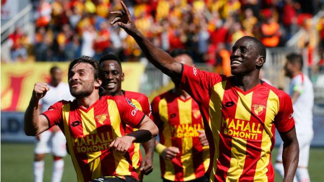Demba Ba Antalyaspor'u ateşe attı