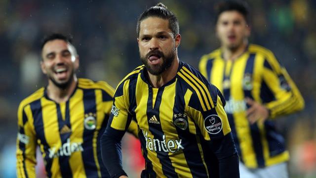 Fenerbahçe '10'a veda etti!