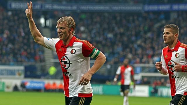 Feyenoord Kuyt'ın sözleşmesini uzattı