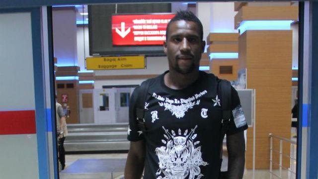 Douglas Trabzon'a geldi
