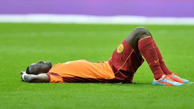 Emmanuel Eboue: Evden atılabilirim