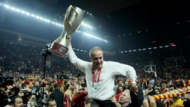 Yılın başantrenörü Galatasaray'dan!