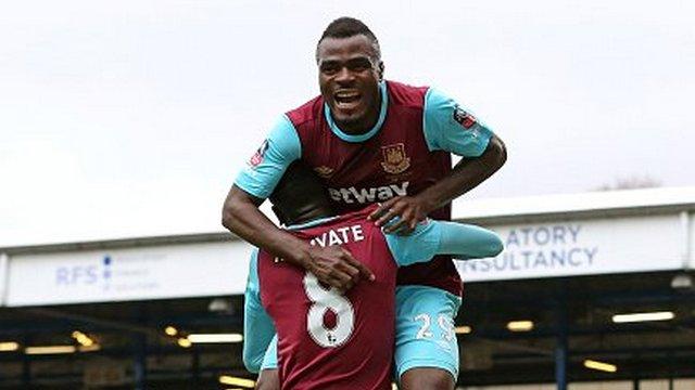 Emenike attı, West Ham coştu
