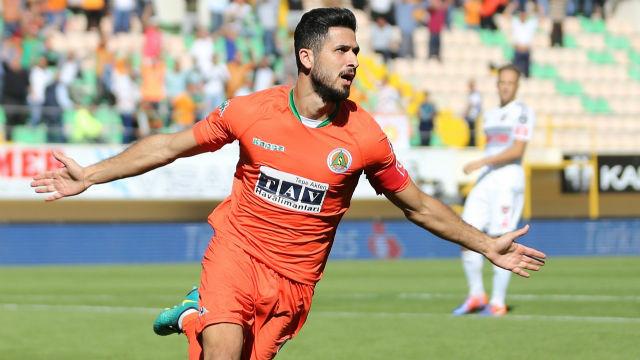 Bakkal, Emre Akbaba transferini açıkladı