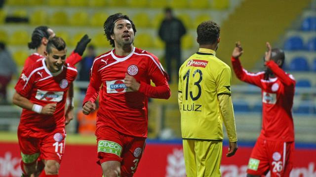 Antalyaspor uzatmada güldü