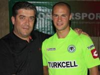 Erdal Kılıçaslan Konyaspor'la imzaladı