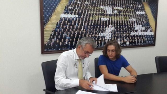 Fenerbahçe'de 5 yıllık imza