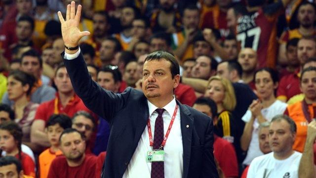 Ergin Ataman: Dimdik duruyorum