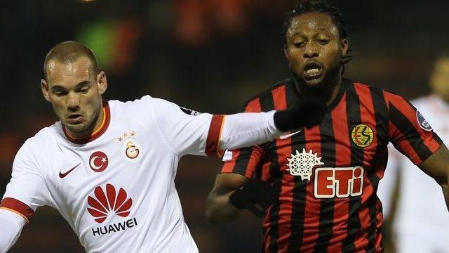 Lawal için Galatasaray açıklaması