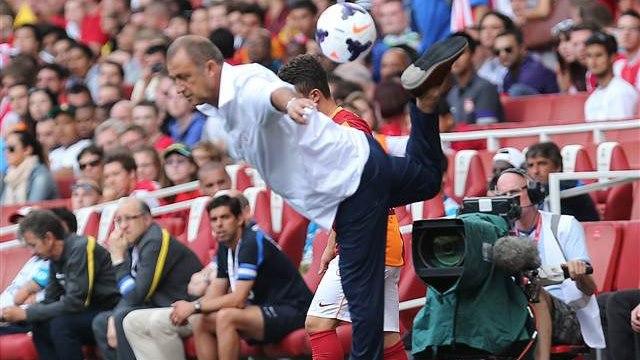 Emirates'i ayağa kaldırdı