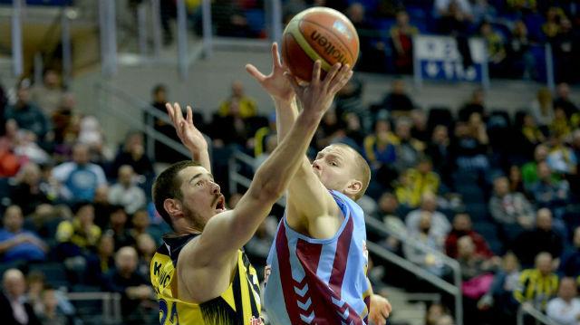 Fenerbahçe Trabzon'u devirdi