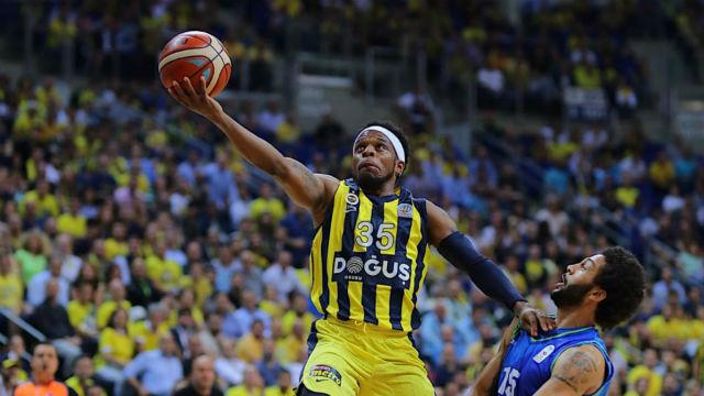 Fenerbahçe farklı başladı