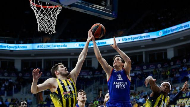 Efes'in hayallerini Fenerbahçe bitirdi
