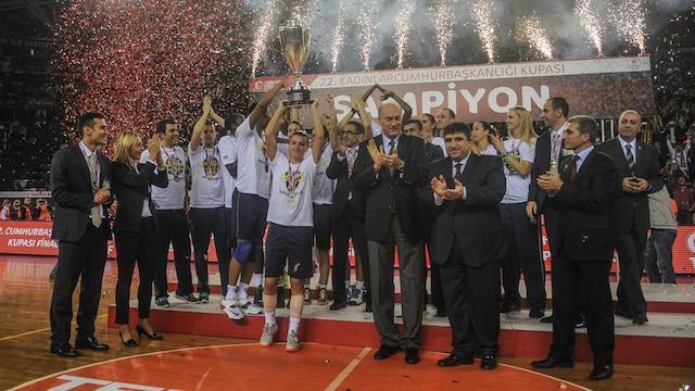 Derbide zafer Fenerbahçe'nin