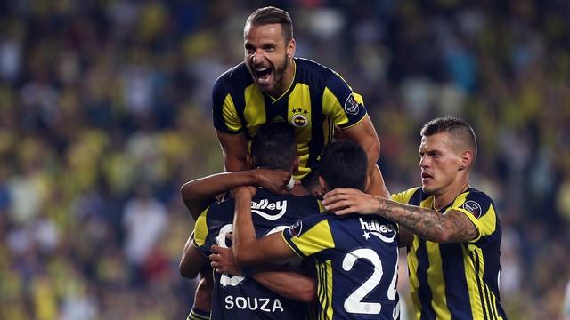 Fenerbahçe tur için sahaya çıkıyor!