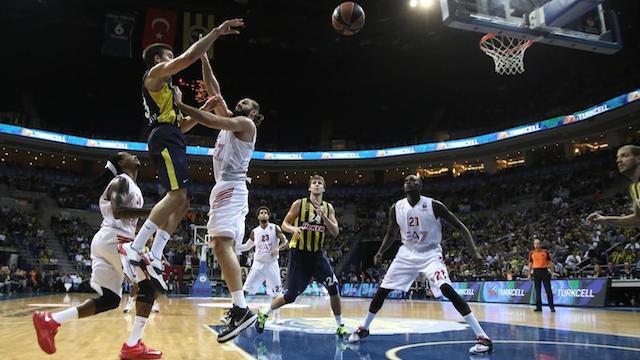 Fenerbahçe Ülker galibiyete uçtu