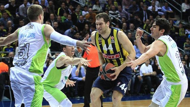 Fenerbahçe Malaga'yı devirdi