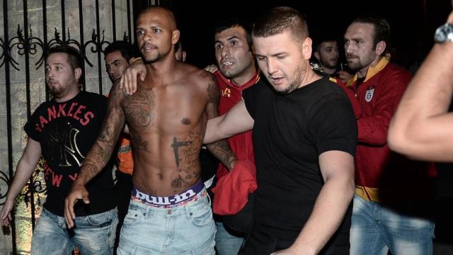 Melo: Türkiye'de futbol oynatmazlar