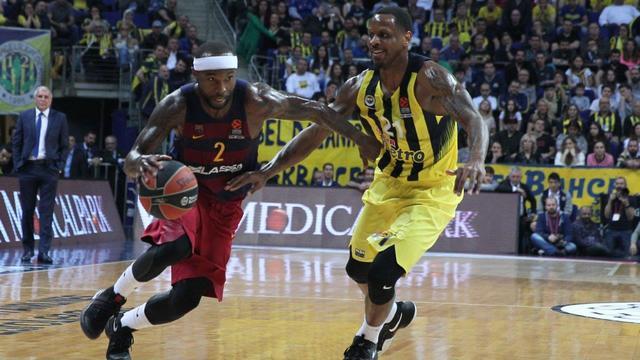 Fenerbahçe galibiyetle bitirdi