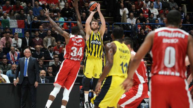 Fenerbahçe'den ilk galibiyet