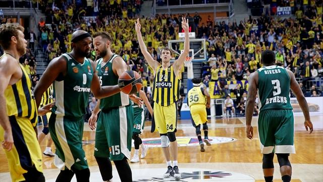 Fenerbahçe, Panathinaikos'u devirdi