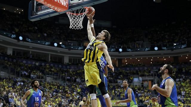 Fenerbahçe üst üste 3. kez şampiyon