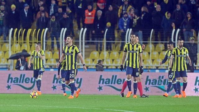 Fenerbahçe evinde kan kaybetti