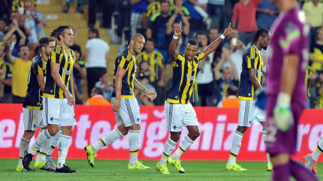 Fenerbahçe Nani ile uçtu