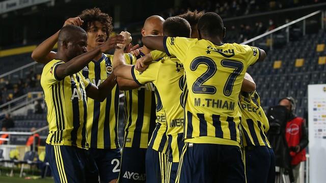 Spor yazarlarından Fenerbahçe yorumları