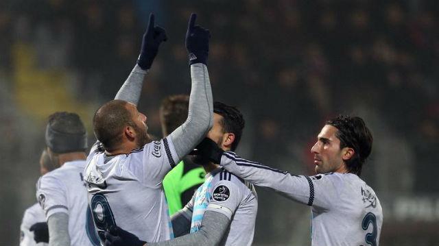 Fenerbahçe Ankara'dan şen dönüyor