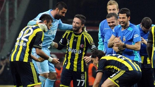 Fenerbahçeli yıldız imzayı attı