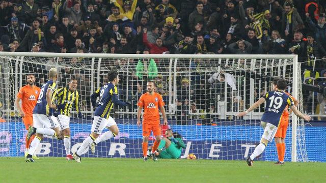 Fenerbahçe'den zirveye çelme