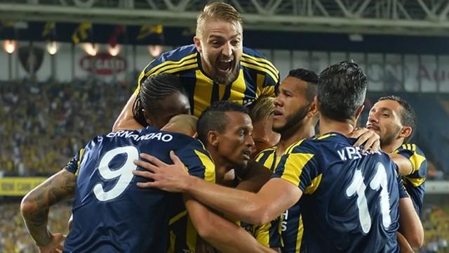 Fenerbahçe zafer için Ada'da