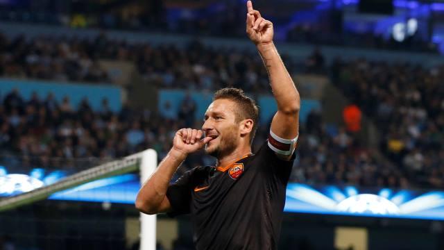 Kaptan Totti tarih yazdı