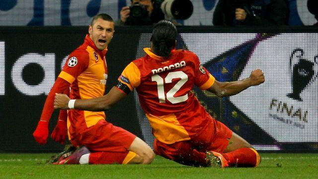 Photo of Burak Yilmaz & his friend football player  Kullanıcı Resmi  -