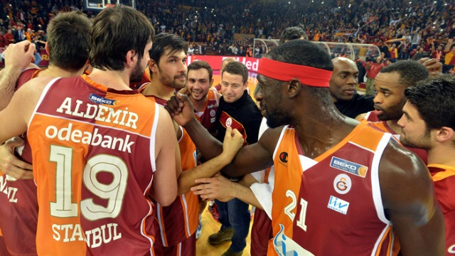 Galatasaray deplasmanda coştu